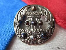 4041-D – French Deposé Pierced White Metal Button-Bouton w/ 7 Tinted Cut Steels