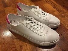 NEW-Gap Ladies Size 8 Black And White Stripe Sneakers