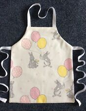 TODDLER'S LINED MACHINE WASHABLE COTTON CRAFT/ COOKING APRON - RABBITS/BALLOONS