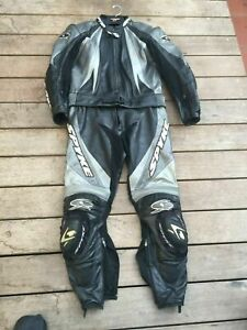 SPYKE DRAGON AIR 2 PIECE VENTED LEATHER SUIT SIZE 52 GREY/BLACK/SILVER