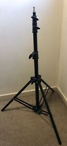 Light Stand Impact Air-Cushioned Medium Duty Stand For Photography 9ft Pneumatic