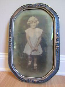 Antique Vintage Victorian Oval Convex Bubble Glass Frame & Girl Lace Dress Photo