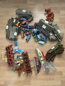 Vintage TOMY Thomas & Friends The Train Set Railroad Station Collection Toys 98