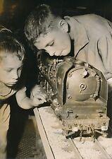 PARIS 1957 - Enfants  Maquette Train Locomotive à Vapeur  - PR 799
