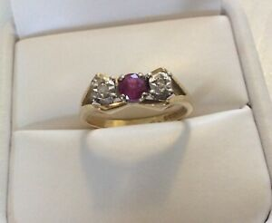 Lovely Ladies Vintage Solid 18CT Gold Ruby & Diamond Ring - Size N 1/2