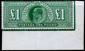 SG320, £1 deep green, M MINT. Cat £2000. CORNER MARGINAL