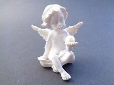 Engel 7 mit Perle in der linken Hand, Keramik, 5 cm hoch