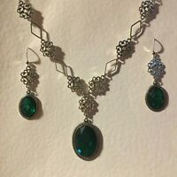 LACY FILIGREE VICTORIAN ST EMERALD GREEN CRYSTAL SILVER PL NECKLACE EARRINGS SET