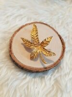Vintage Gold Tone Maple Leaf Brooch costume jewellery jewelry goldtone pin badge