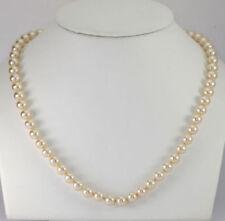 Collar de joyería con perlas de cobre