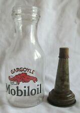 MOBIL MOBILGAS FLYING HORSE 1 QUART GLASS OIL BOTTLE w SPOUT /& DUST CAP