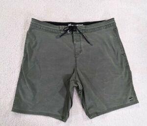 Billabong Board Beach Short Sundays Lo Tide Men's Size 34 w Pockets green