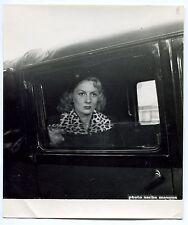 Photo Sasha Masour - La Femme du taxi - Tirage argentique d'époque -