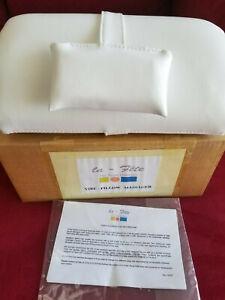 NEW La Fete Vibe Massage Pillow, white, original box