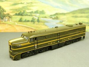 HO 1:87 Life-Like PA-1 Diesel Locomotive NEW HAVEN NH #0762 Missing Front Piece
