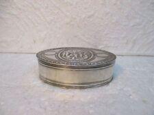 Ancienne petite boite ovale en argent massif
