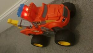 Transforming Tow Truck Toy Blaze And The Monster Machines with Lights & Sounds.