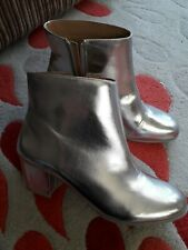 Lovely Ladies Funky Silver Boots Size 7