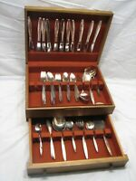 Community/Oneida Gentle Rose/Enchantment Silver Plate Flatware svc for 12 86 pcs