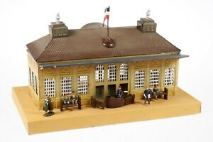 AC1778:Vintage Karl Bub Gauge 0/1 Tinplate Station on Platform Ref 1025