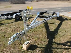 Venture VATB-5225 Boat Trailer IN STOCK, for 23' Boat, w/Alloy Mags. Avail NOW !