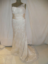 Essence of Australia ivory lace wedding dress sizeUK12 Medium lace up back
