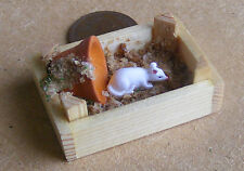 1:12 Scale Tumdee Dolls House Miniature White Resin Pet Mouse At Play Accessory