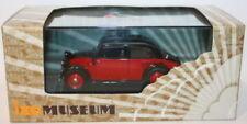 Voitures, camions et fourgons miniatures rouge IXO pour Mercedes