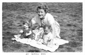 KENT - YOUNG GIRL WITH HER TWO DOLLS AT MINNIS BAY - VINTAGE PHOTOGRAPH