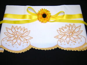 Lovely SUNNY YELLOW LOTUS FLOWER Hand Embroidered Crochet Vtg Pillowcase FrKnot