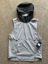 Nike Shield Sleeveless Jacket Men Gray NEW AO5856-007 NWT MSRP $145 - Size M