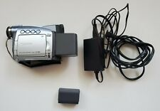 Canon Zr80 Mini Dv Camcorder with battery and power cable