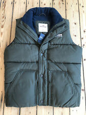 "HOLLISTER ""PEBBLY BEACH"" BODY WARMER/VEST/GILET. OLIVE GREEN. LARGE. BNWT."
