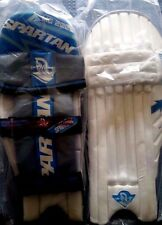 SPARTAN CRICKET MC 2000 BATTING RIGHT HAND YOUTH'S PADS R.R.P