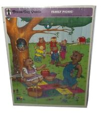 1989 Rainbow Works Frame Tray Puzzle, Family Picnic of Bears  & Cubs 75905-2