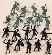 Lot of Nineteen TOYI 2 Inch Tall Toy Medieval Crusader Soldiers