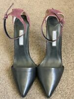 Tony Bianco Leather Heals With Ankle Strap Size 8 Black & Purple