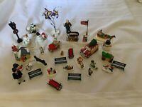 Grandeur Noel Christmas Villa Collectible Village Figurines Set and extras VTG