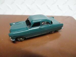 Matchbox Lesney Green #33 Ford Zodiac w/Grey Wheels
