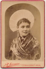 A. Lormier KAB - Dame in Tracht - Boulogne s. Mer Frankreich ca. 1890er
