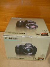 EUC Fujifilm Finepix HS20 + New Delkin Pro 8GB Class 10 Card - Works