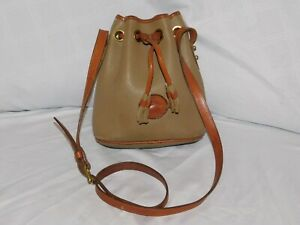 DOONEY & BOURKE SMALL TAN AND BROWN LEATHER DRAWSTRING CROSSBODY PURSE