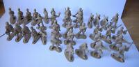 36 Soldaten einteilig Kunsstoff ca 4 cm hoch - ca 70er Jahre