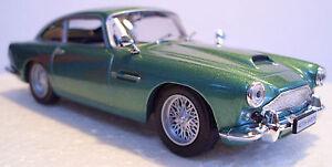 D Agostini - Aston Martin DB4 Coupe 1/43 Scale Metallic Green - New Bubble Pack