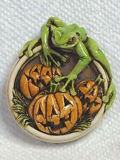 Harmony Kingdom Art Neil Eyre Designs tree frog frogs Halloween pumpkin magnet