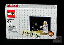 LEGO Classic - White Spaceman Minifigure - 5002812 - VIP Exclusive - New Sealed
