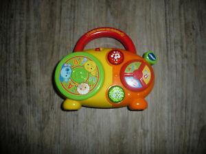 Kinder Spielzeug Vtech Radio Musik Mein erster CD Spieler Hören Sehen wie neu