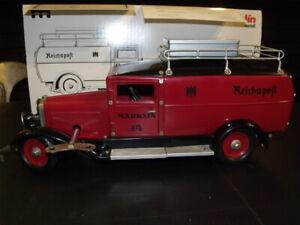Gros camion 1/16 Jouet tôle Marklin fourgon Reichspost moteur d'horlogerie à clé