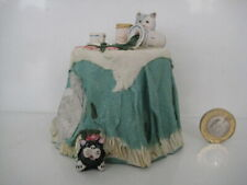COLOUR BOX CAT PETER FAGAN HOME SWEET HOME HS113 THE BREAKFAST TABLE GREEN CLOTH