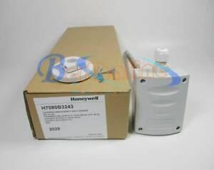 1PC FOR HONEYWELL Temperature sensor H7080B3243 0-10V/4-20mA (-10℃-40℃)NEW